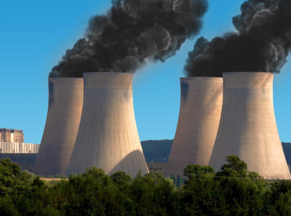 Kullkraftverk. Verdens energibehov forventes å stige med 60 % innen 2030. I 2007 var det over 50 000 kullkraftverk i drift i verden. Foto: Collorbox