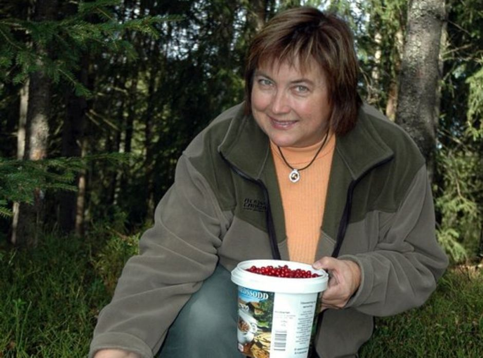 Kokebokforfatter og biolog Kirsten Winge i Søre Osen er en ivrig sanker.