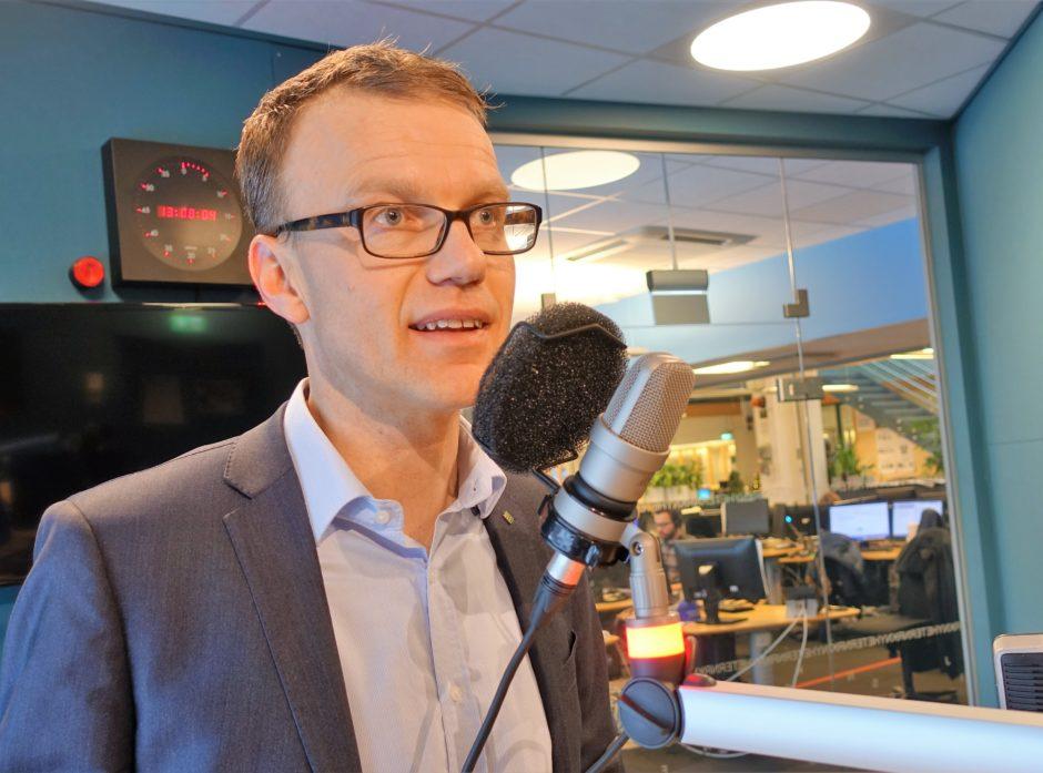 STOR INTERESSE: Saken om mulig stans i ulvejakta har vært mye debattert den siste tiden. Fredag møtte Erik Lahnstein i studioet til NRK Alltid Nyheter på Marienlyst.