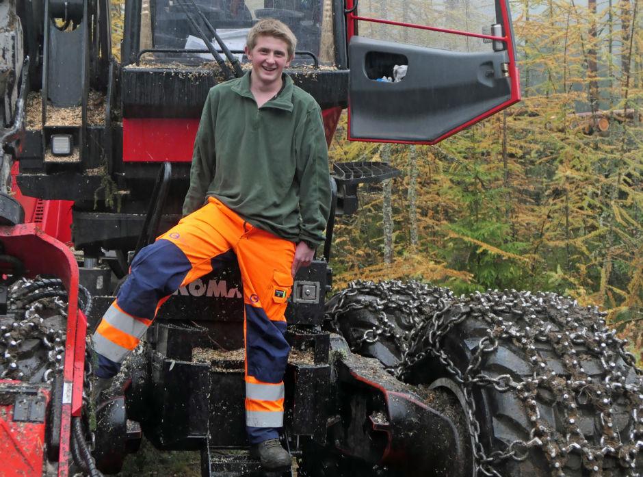 Håvar Vold er nå lærling hos Tor Halgrim Benterud. Han gleder seg skikkelig til å begynne å kjøre hogstmaskin på fulltid.