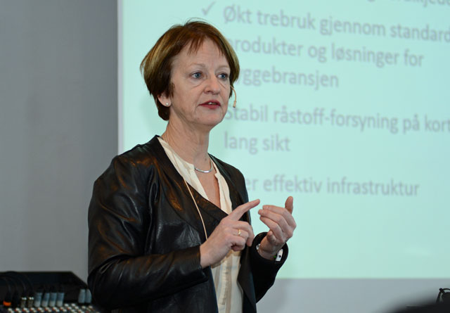 Kjersti Kinderås fra Arena-nettverket i Trøndelag bidro til optimisme rundt den framtidige trebruken her i landet.